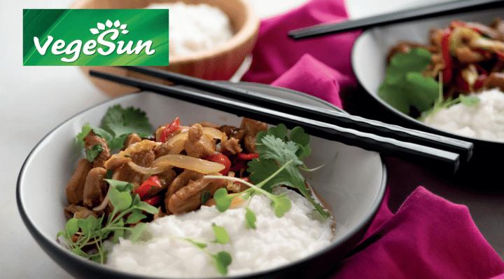 VegeSun-resepti: Inkivääri-soijawokki kookosriisillä